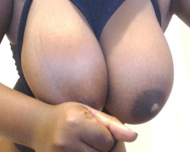 Ebony big tits web cam